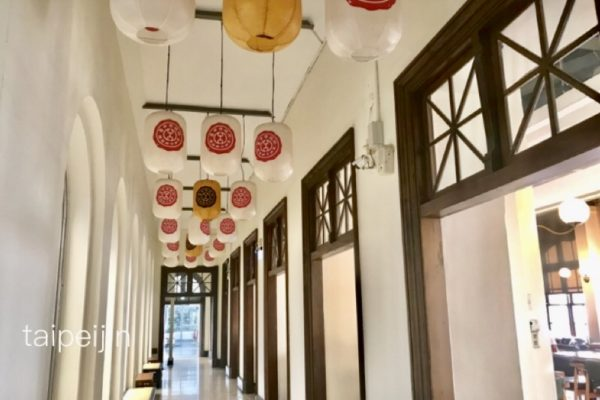台中市役所の廊下