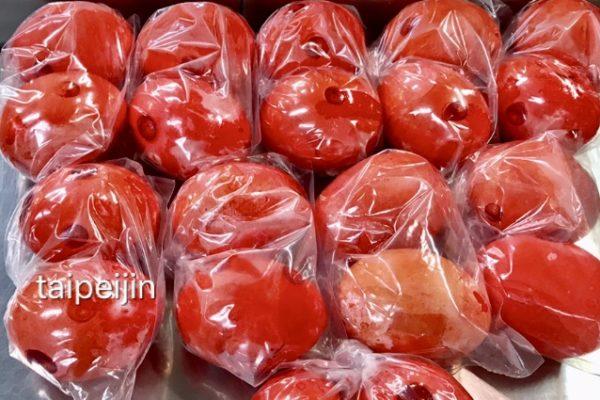 真っ赤な茹で卵