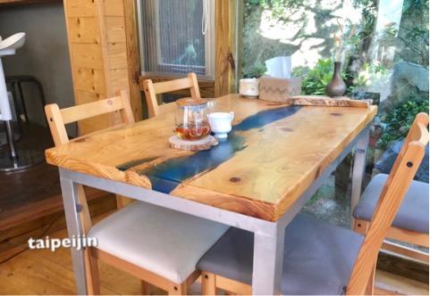 お店のテーブル