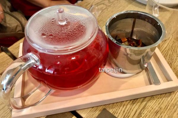 中型のお茶のポット
