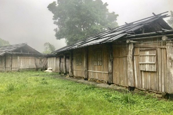 男性宿舎と女性宿舎