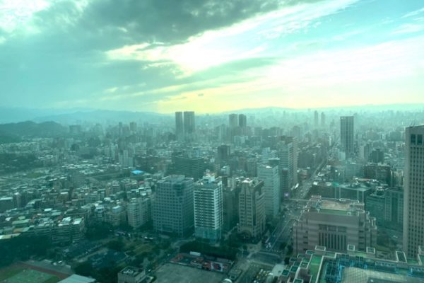 101ビルの窓からの風景2