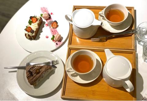 ケーキとお茶