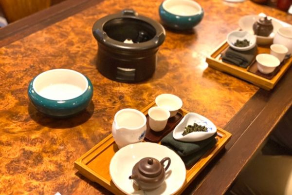 お茶のテーブルの上