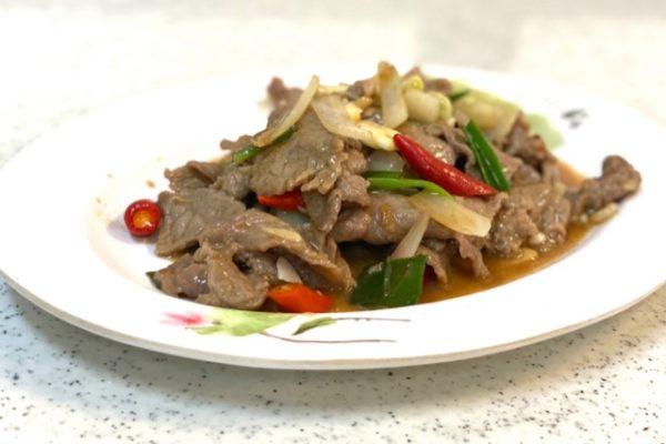 牛肉とおネギの炒め物