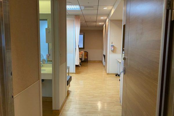 病室の入り口