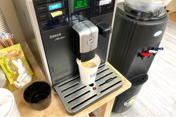 コーヒーとコーヒーマシーン