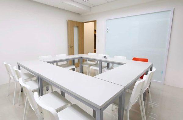 大きな教室
