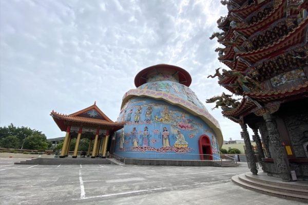 麻豆代天府の丸いお寺