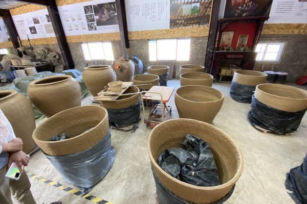 銅鑼窯の大きな甕