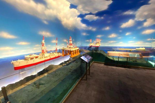 海上のタンカー
