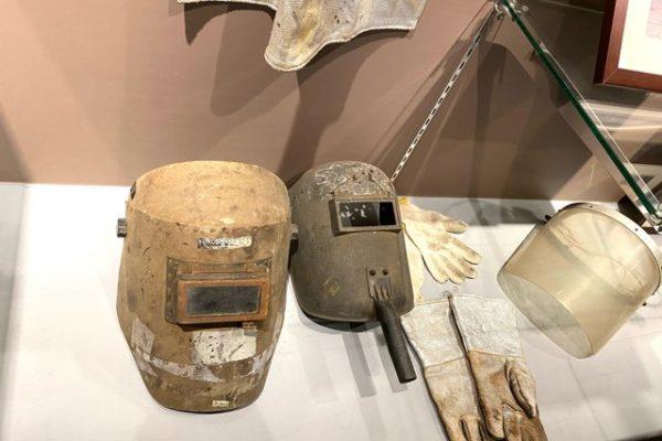 石油堀のヘルメット