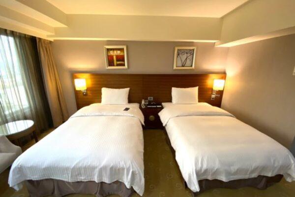 シングルベッド二つ