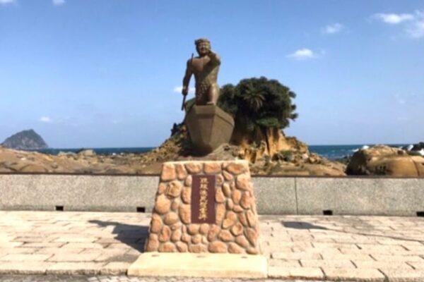 漁師の銅像