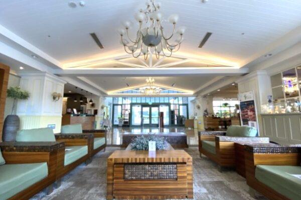 陽明山天籟渡假酒店の本館ロビー