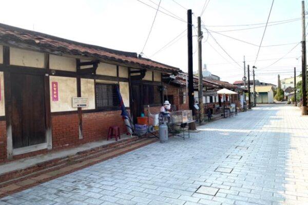 菁寮老街の古い街並み