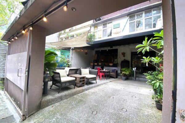 Cafe Mode 木馬の外側